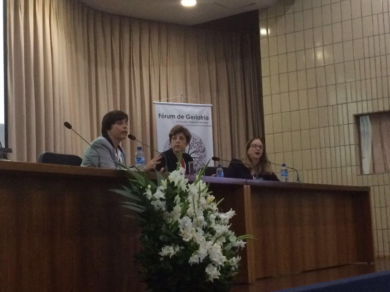 mesa_juridico Juiza Aglae, Claudia burla Nezilour lobato